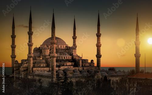 blekitny-meczet-w-istanbul-podczas-zmierzchu