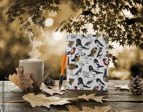 Obraz kubek z herbatą jesień - fototapety do salonu