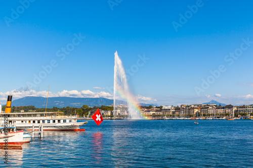 Cuadros en Lienzo Water jet fountain with rainbow in Geneva