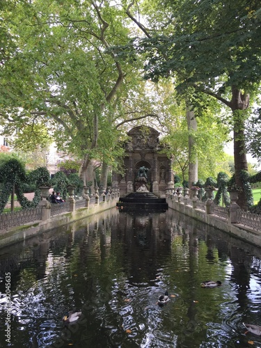 Fotografie, Obraz  Fontana nei giardini di Lussemburgo, Parigi