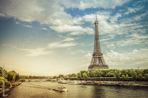 Plagát  Eiffel Tower from low angle with Seine River