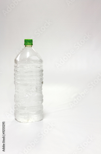 Fotografie, Obraz  水の入ったペットボトル