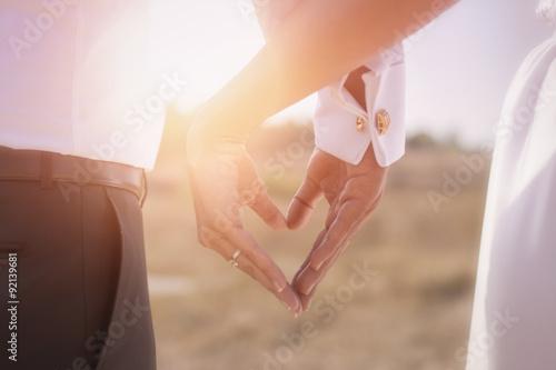 Fotografie, Obraz  Nevěsta a ženich s rukama