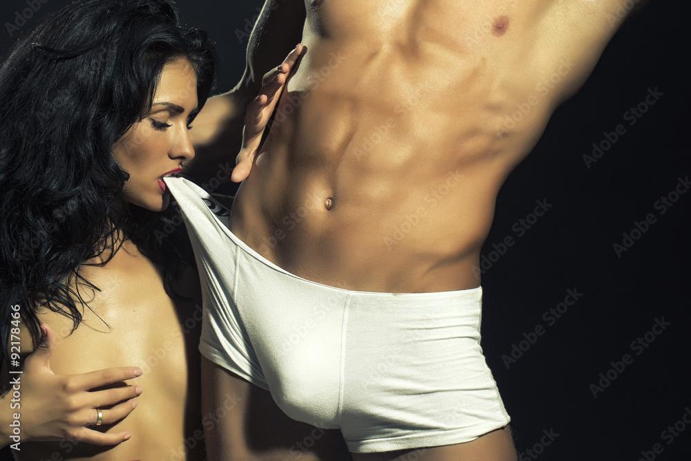 Fototapety, obrazy: Sexy undressed couple
