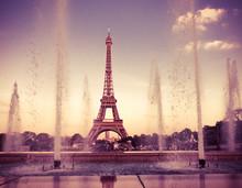 Eiffel Tower (La Tour Eiffel) With Fountains.