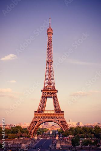 Foto op Aluminium Eiffeltoren View on Eiffel Tower at sunset, Paris, France