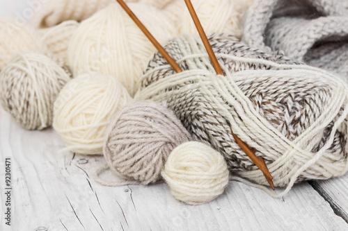 Fotografie, Tablou Skeins of wool yarn and knitting needles