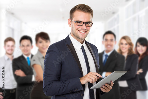 Fototapety, obrazy: Businessman with his team member
