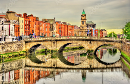 Poster Zwavel geel View of Mellows Bridge in Dublin - Ireland