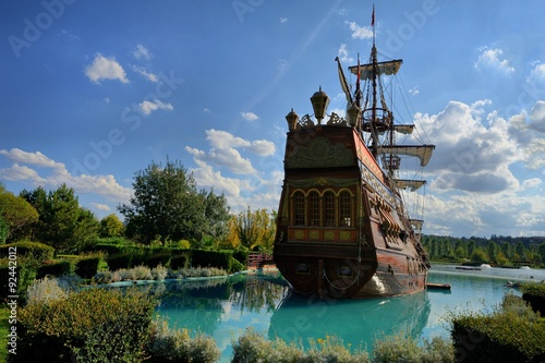 Türaufkleber Schiff Prate Ship in Sazova Park Eskisehir, Turkey