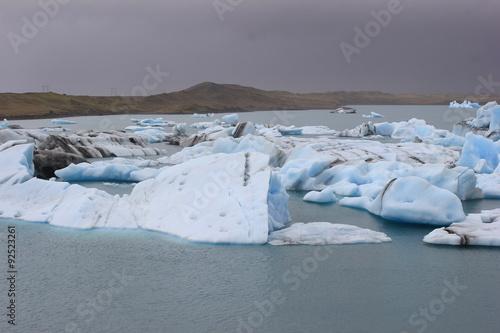 Poster Glaciers Blick über den Gletschersee Jökulsarlon auf Island