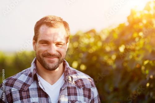 Pinturas sobre lienzo  Portrait of a young winemaker