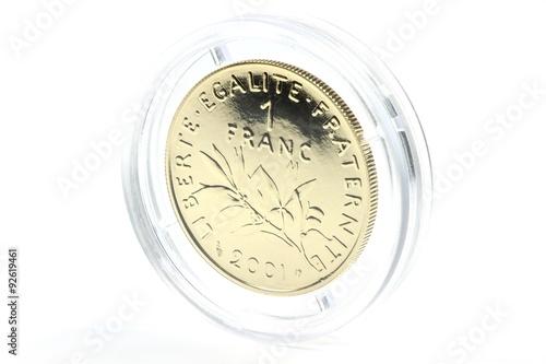 Tela  französischer  Goldfranc isoliert auf weißem Hintergrund