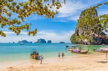 Plage De Phra-Nang Et Les île...