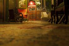 Salón Clásico Con Lámpara R...