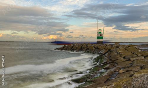 Fotografia, Obraz Ijmuiden Lighthouse after sunrise
