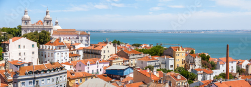 panorama-historycznego-miasta-lizbona-portugalia