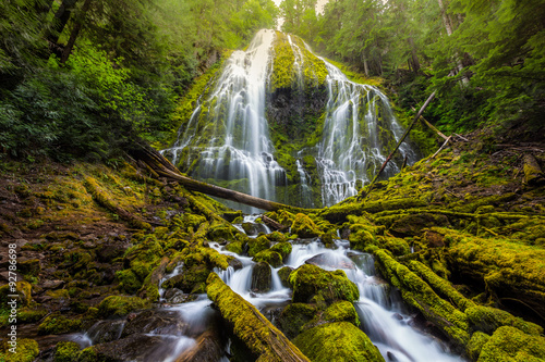 Foto auf Gartenposter Wasserfalle Beautiful Proxy falls in mist, Oregon