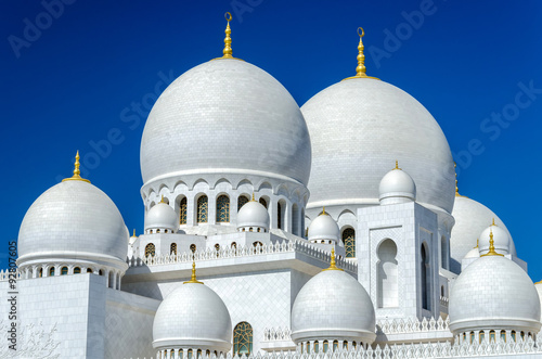 Fotografia  Sheikh Zayed Mosque in Abu Dhabi - considered to be the key for worship in the U