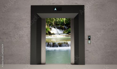 Fotobehang - elevator open door