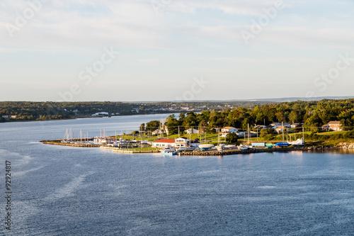 Fotografía Marina and Homes on Shore of Sydney Nova Scotia