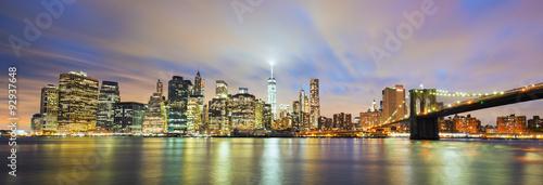 Fototapeten New York Panoramic view of New York City Manhattan midtown at dusk