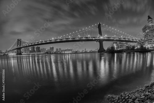 Poster Chicago New York manhattan bridge night view from brooklyn in b&w