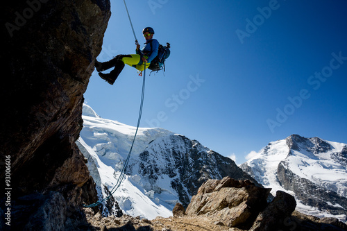 Photo sur Aluminium Alpinisme Abseiling