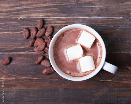 Foto op Plexiglas Chocolade Hot chocolate with marshmallow in white cup