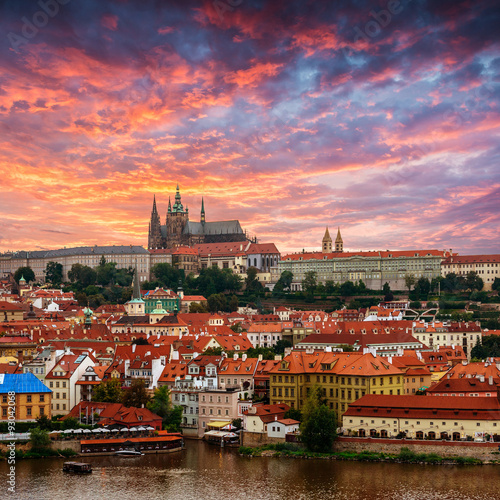 Staande foto Praag View of old town and Prague castle, Czech Republic