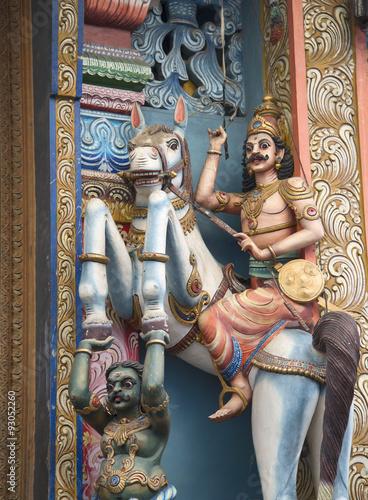 In de dag Imagination Фрагмент оформления старинного индуистского храма. Коломбо, Шри-Ланка