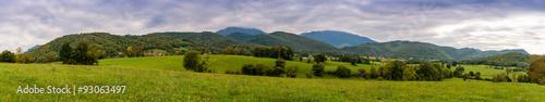 Panoramique de la campagne Pyrénéenne