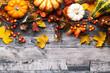 Leinwandbild Motiv Herbst Hintergrund mit Herbst Blätter Laub Kürbis