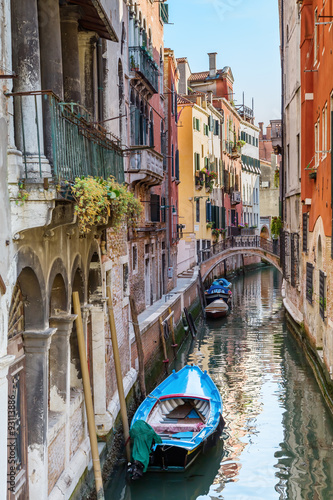 Fototapeta Venice. Urban canal obraz