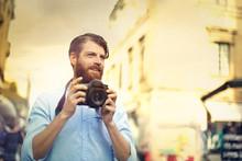 Professional Photographer Taki...