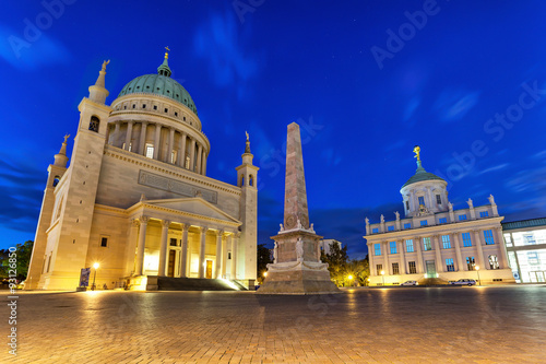 Edifice religieux St. Nicholas Church and old city hall in Potsdam