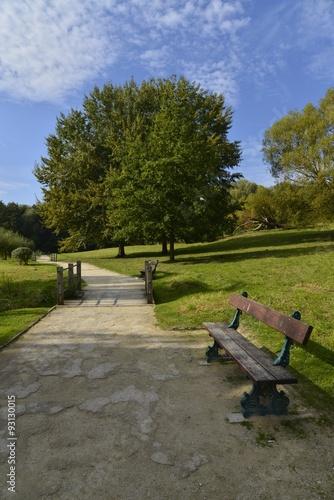 Keuken foto achterwand L'un des banc au parc Scheutbos dans le haut Molembeek à l'ouest de Bruxelles Capitale