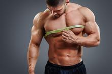 Closeup Of Muscular Sports Man...