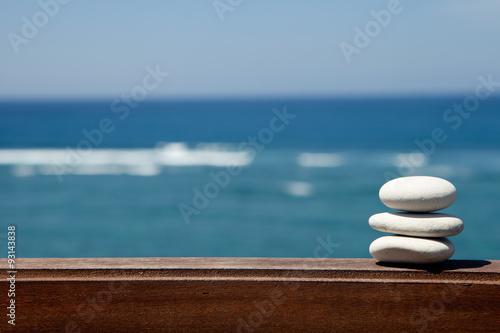 Deurstickers Stenen in het Zand Stack of pebble stones at the beach
