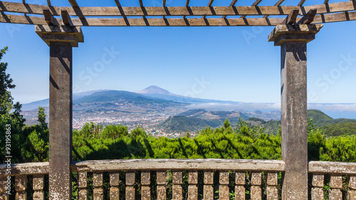 Panoramablick auf Hügellandschaft - 93195863