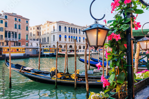 Spoed Foto op Canvas Gondolas Gondolas on Grand Canal, Venice, Italy