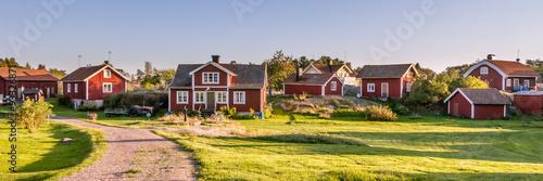 Fotografía  Traditionial village on the island Harstena in Sweden, principal