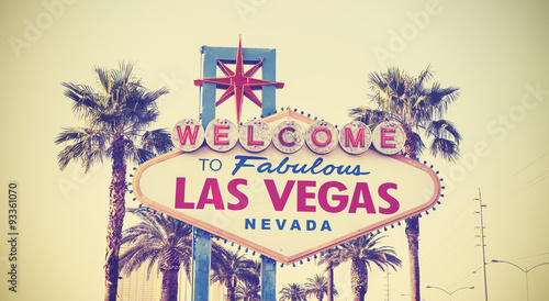 Tuinposter Las Vegas Retro vintage toned Welcome To Las Vegas Sign, USA.