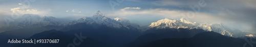Photo panorama view of Fishtail, Annapurna range in Nepal