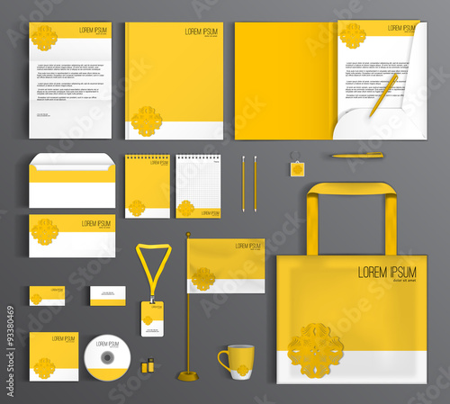 Fotografía  Corporate Identity set with a yellow flower.