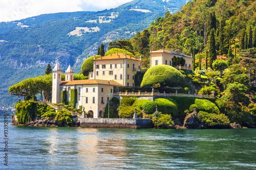 Fotografiet  romantic Lago di Como - Villa del Balbinello. Italy
