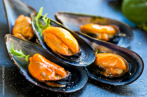 Valokuva  Fresh Steamed sea mussels.