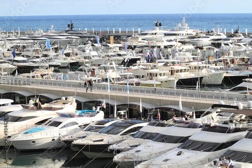Foto op Plexiglas Arctica Barche a vela ormeggiate nel porto di Genova