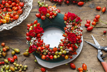 Steps Of Making Door Wreath With Rose Hip, Hawthorn And Rowan Be