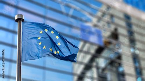 Cuadros en Lienzo European Union flag against European Parliament
